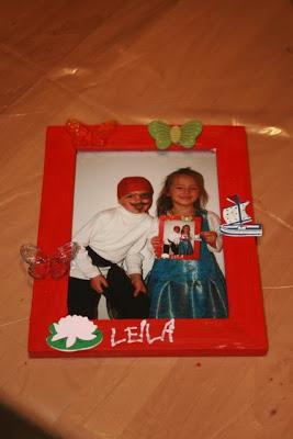 Jedes Kind bekommt seinen Rahmen mit einem Foto mit nach Hause