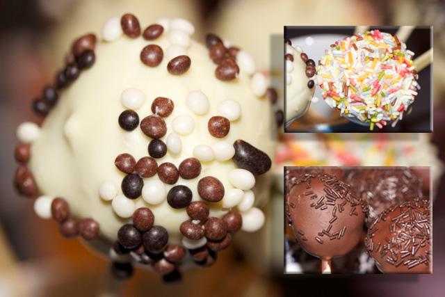 Streusel auf Cakepops mit weißer Schokolade Nahaufnahme