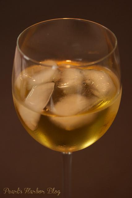 Pearl's Harbor Blog - Weinglas mit Eis und Secco - Traubensecco aus der Pfalz