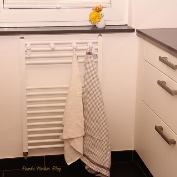 Schüller Küche mit Schubladen Block, Handtuchhalter Heizkörper