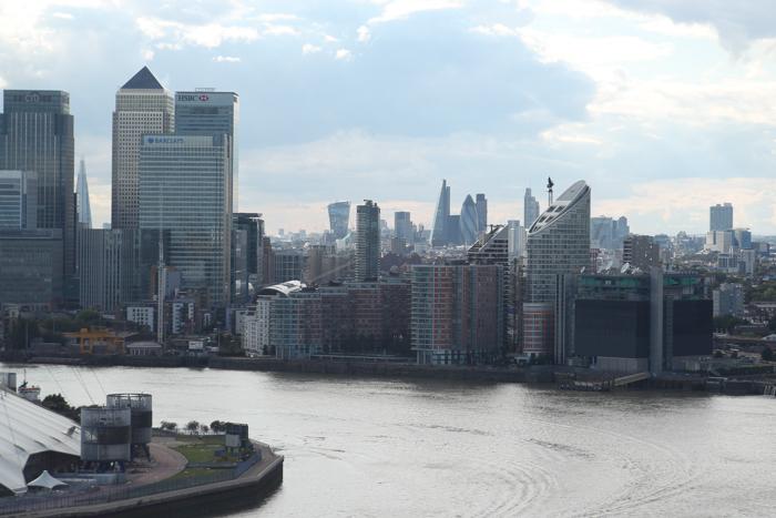 London Greenwich - Futuristischer Blick auf London mit neuer Skyline London