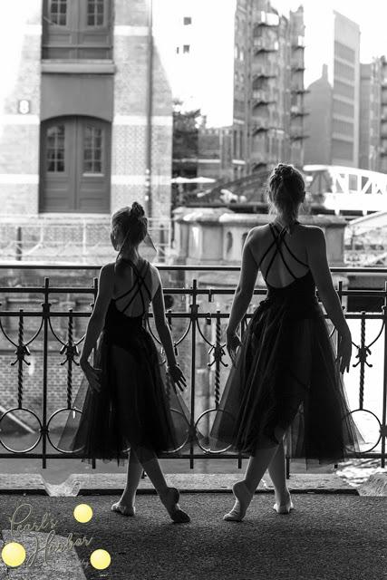 2 Ballerinas in der Speicherstadt Hamburg Outdoorfotoshooting