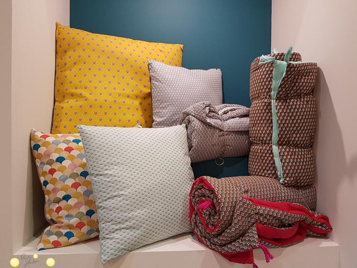 schöner Wohnen mit Stoff: gemütlich mit selbstgenähten Kissen und Decken