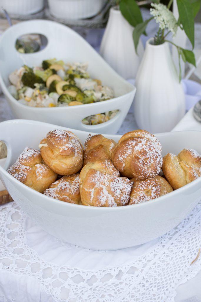 Rezepte für ein White Dinner mit Freunden: Windbeutel mit Vanillepudding