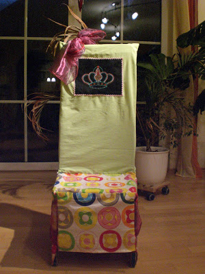 Stuhlhusse für den Geburtstagsstuhl im Kindergarten – selbstgenäht.