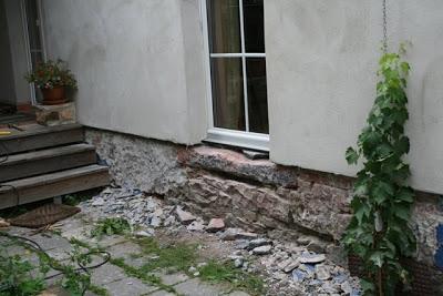 Alter Hof und Eingangsbereich restaurieren