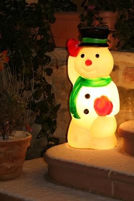 Es schneit, es schneit, kommt alle aus dem Haus…