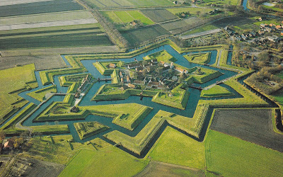 Barock oder Empire? Festung Bourtange in den Niederlanden