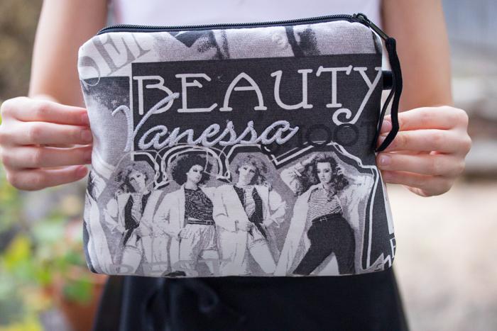 Besticktes Kosmetitäschen für den Fashionfan