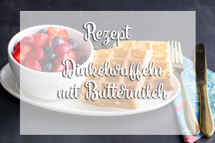 Waffelliebe – Dinkelwaffeln mit Erdbeersalat und Schokoladensoße Rezept